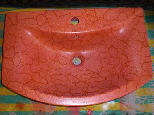 Процесс росписи сантехники