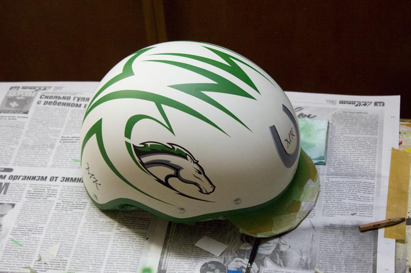 Роспись шлема для конного спорта