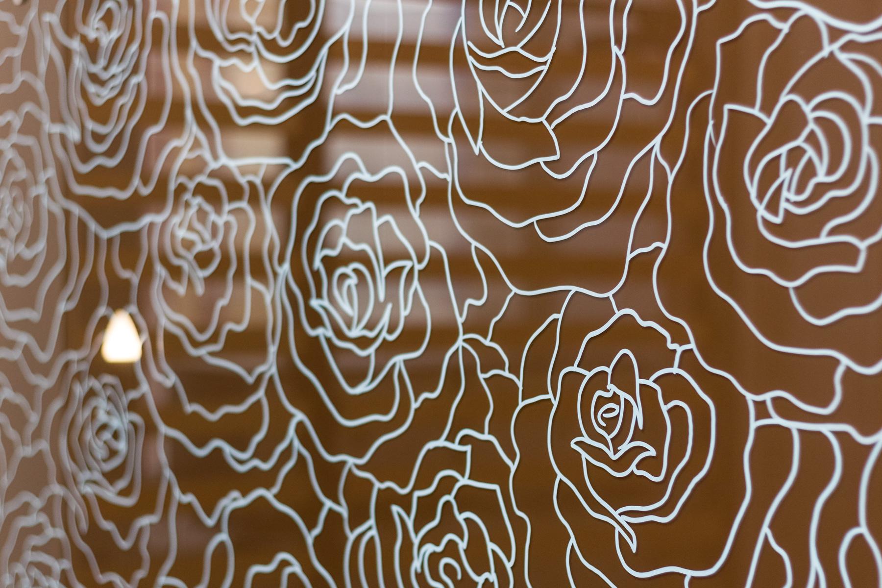 Цветы на стекле