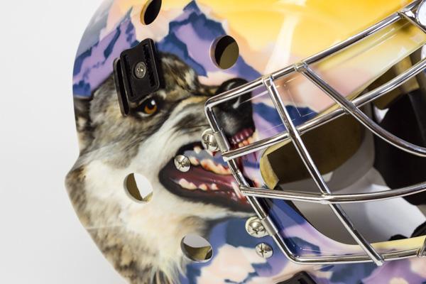 Хоккейный шлем с волками